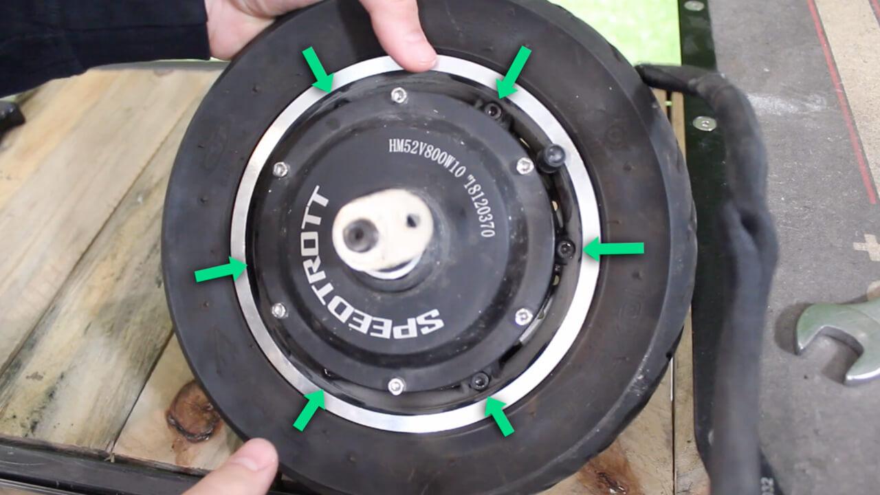 changer pneu avant speedtrott RS1600 trottinette electrique
