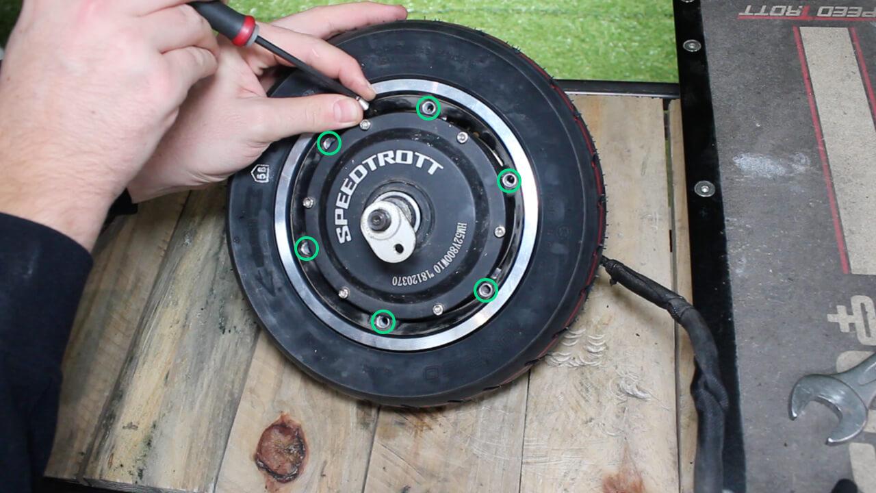comment changer pneu chambre à air speedtrott RS1600 trottinette electrique